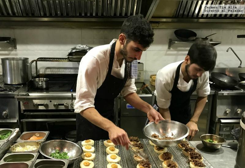 C mo funciona una cocina de lujo de un restaurante ac te - Trabajo de jefe de cocina ...