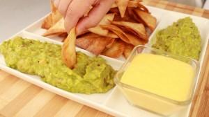0051 nachos con guacamole y queso cheddar - portada