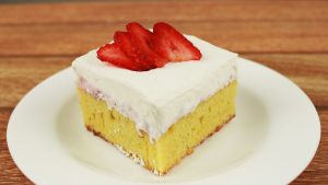 Portada Cake humedo de frutilla