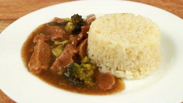 Carne a la olla con brocoli