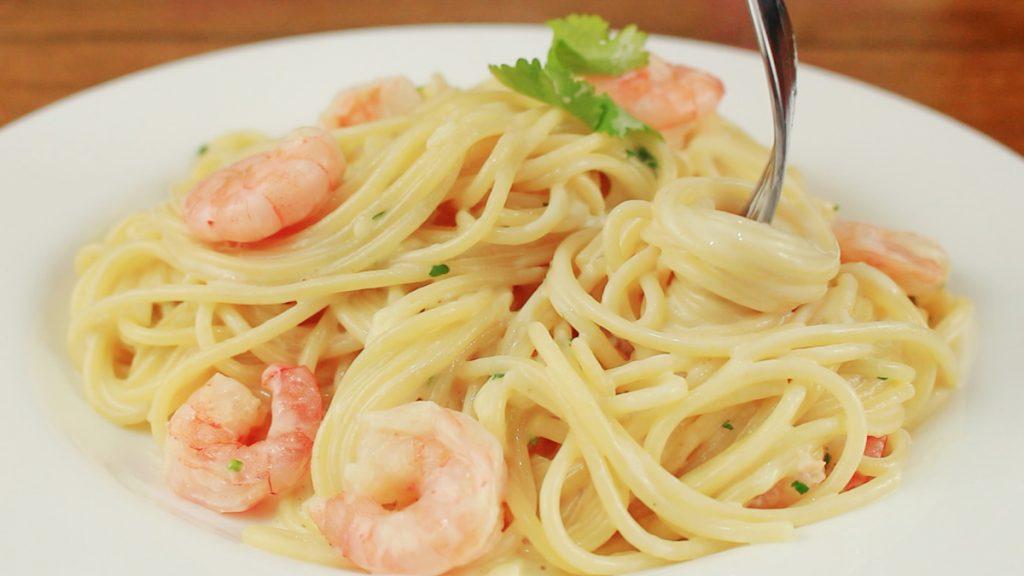 Espagueti con camarones for Como cocinar espagueti